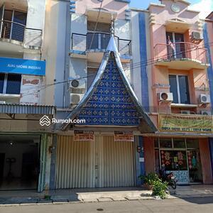 Disewa - Disewakan Ruko 3 lantai, Harapan Indah, Bekasi
