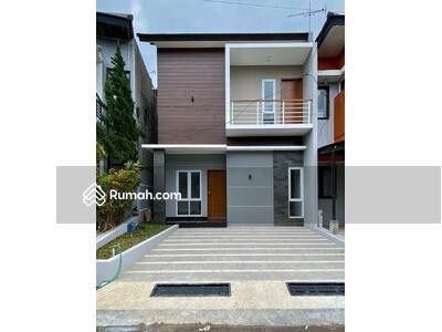 Dijual - Rumah  Minimalis 100% Baru , 2 Lantai, lokasi strategis di Cluster FLORENCE Residence  Antapani