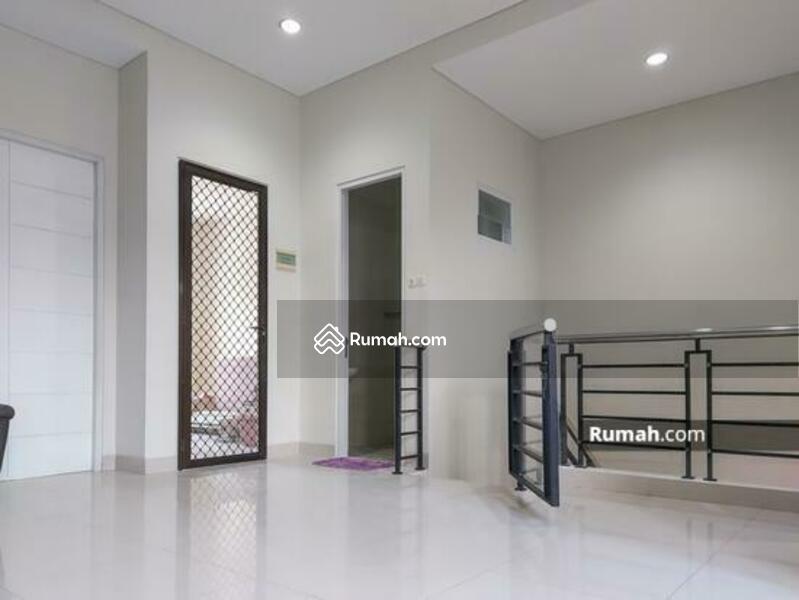 Jual rumah Pakuwon city San Diego surabaya timur . Letak Rumah Dekat Gate Cluster #109447525