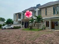 Dijual - Rumah Mewah Semi Furnished Strategis di Duren Sawit Jakarta Timur