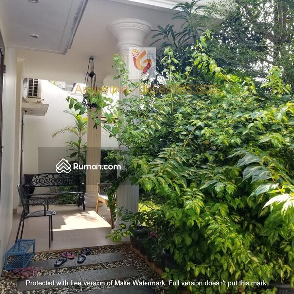 Rumah di Mampang Prapatan Jaksel, bertetanggan dengan rumah pak Budiono  Wapres Era SBY #109548411