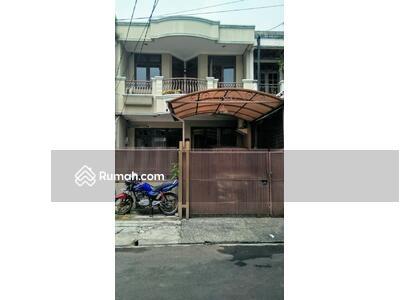 Dijual - 3 Bedrooms Rumah Pondok Indah, Jakarta Selatan, DKI Jakarta