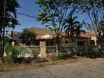 Rumah Hook di Jl Darmahusada Utara, Surabaya