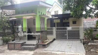 Dijual - Jual cepat rumah 1. 5 Lantai 4 kamar tidur di Mutiara Gading Timur. Kondisi bagus, rapih, siap huni.