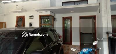 Disewa - Rumah di kontrakan 1 rumah carpot 2 mobil jagakarsa jakarta selatan