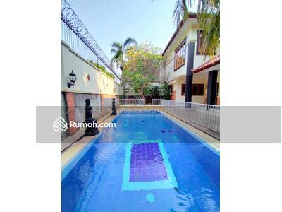 Dijual - Rumah Disewakan di Kemang Unit Private Pool Dalam Cluster