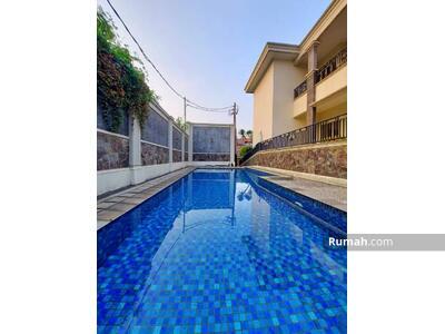 Dijual - PEJATEN | Rumah Mewah Pool Pribadi ada Taman dan Gazebo