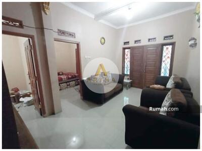 Dijual - Dijual Cepat Rumah 2 Lantai Siap Huni Komplek Sukagalih Permai Kopo Katapang Bandung  Luas Tanah 84