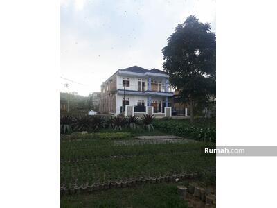 Dijual - Dijual Rumah Villa Dua Lantai Di Cihideung Lembang Kampung panyairan,
