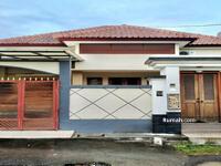 Disewa - BALIKUBU. COM   AMR-326. RM. SAS-EY12. RN-3 Sewa Rumah Semi Villa 3 Kamar Jl Tukad Batanghari