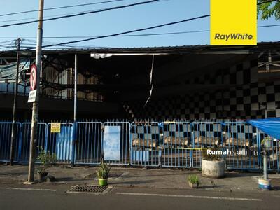 Disewa - Disewakan Ruang Usaha Siap Huni Pusat Kota di Jl Diponegoro, Surabaya