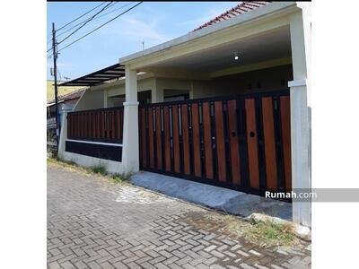 Dijual - Rumah murah bangunan baru tanah luas 190m² karanglo singosari malang