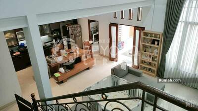 Dijual - Rumah mewah minimalis 2 lantai di Mekar Wangi Bandung