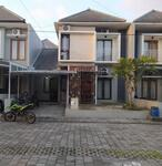 disewakan rumah 2 lantai dalam perumahan residence di maguwo