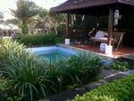MURAH..!! di Jual Rumah ada kolam Renang.tanahnya Luas di blkg ada rumah gaya Bali Lb 200m